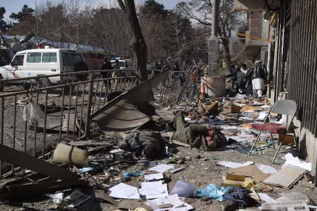 爆炸現場遍布死傷者,慘不忍睹。(Getty Images)