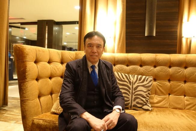 蔡金冬認為中國民族專業能為中西方學生提供豐富資源。(記者金春香/攝影)