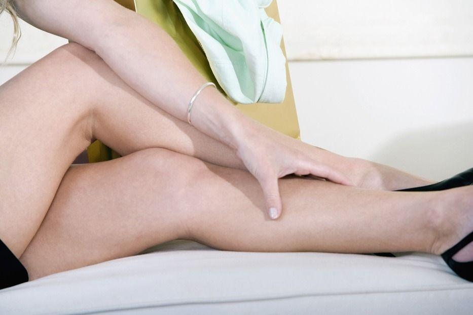 在睡眠當中發生腿抽筋是許多人都有的經驗。圖/Ingimage