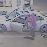 2匪搶加油站 槍殺落單女
