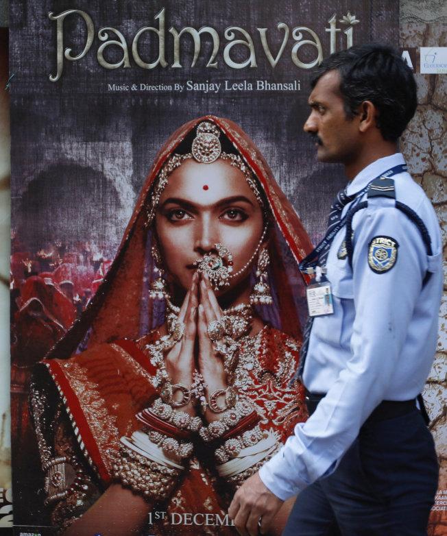 電影「帕德瑪瓦特」因觸碰敏感的印度種姓和宗教議題,曾引起4個省大規模暴動。(路透)