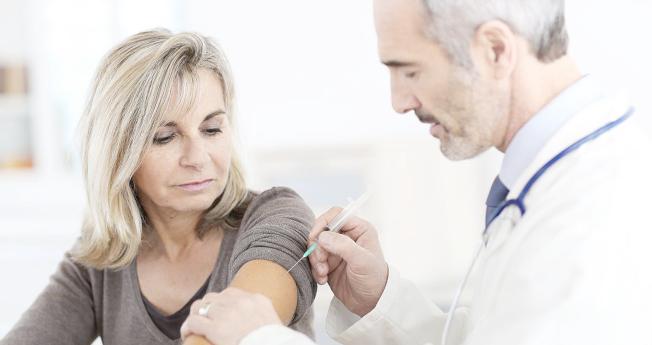 醫師提醒,流感季節遠沒過去,沒有接種流感疫苗的市民要抓緊時間接種。(Getty Images)