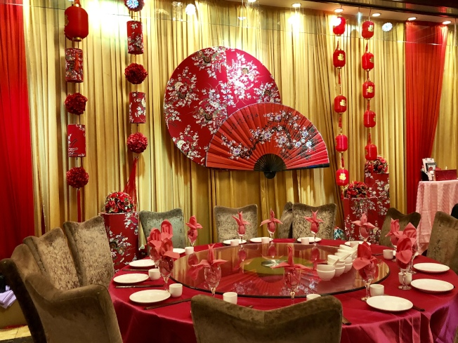 君豪酒樓為農曆新年的特別布置。(記者朱蕾/攝影)