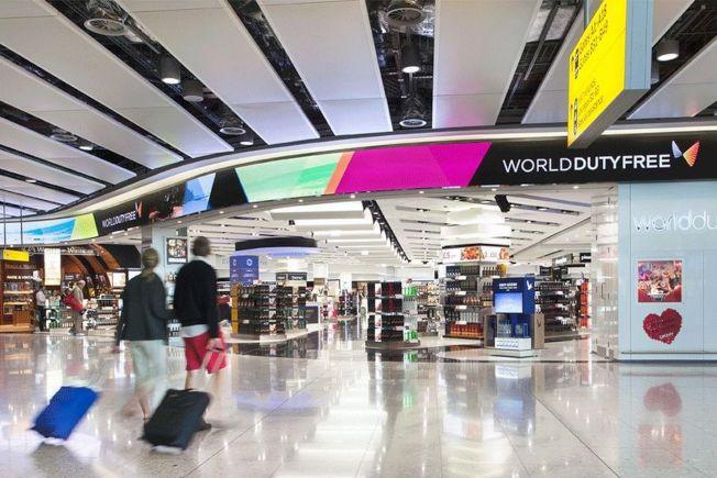 倫敦希斯羅機場免稅店被爆料在價格上區別對待中國消費者。(取材自微博)