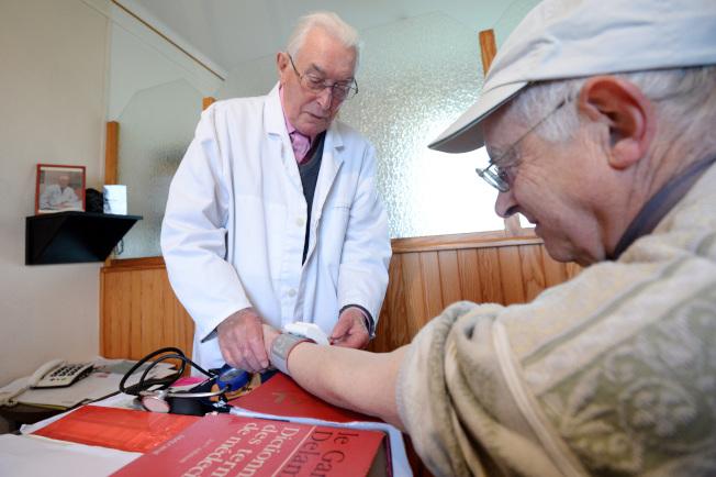 何江說,高血壓與心血管病和中風是線性關係,無種族差異。(Getty Images)