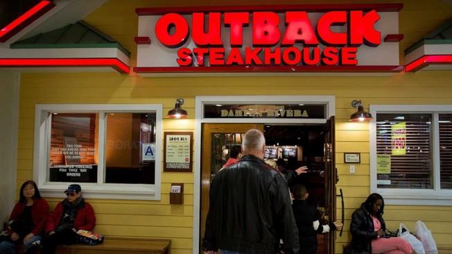 佛州一名Outback牛排館的服務員,在臉書抱怨沒拿到小費,被餐館解雇。(Getty Images)