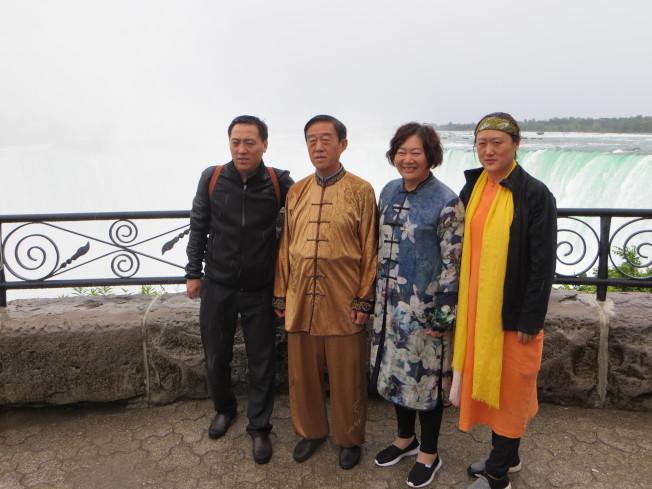 陳正雷鼓勵全家投入太極拳教學,陳斌(左起)、 陳正雷、路麗麗、陳娟。(周密提供)