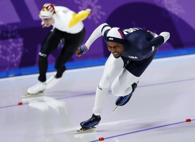 戴維斯(右)是美國速滑傳奇。(美聯社)