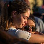槍案倖存者及家長籲控槍:總統行動吧,孩子需要安全