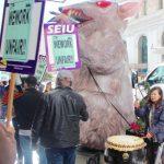 公司聘請非工會成員華裔清潔工示威抗議