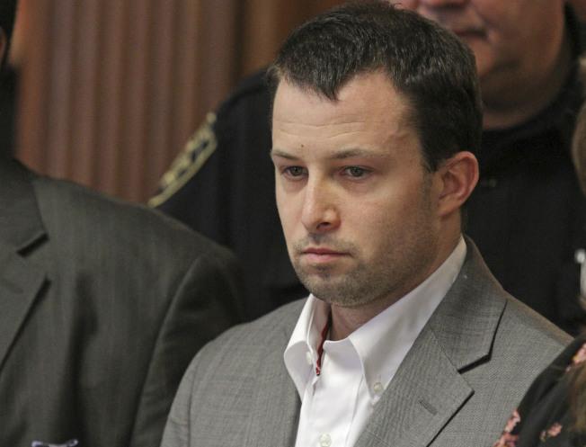 羅德島州參議會共和黨黨鞭凱托 ,上周因性行為不當被捕,起訴書指控他屢次向參議會一名男性見習生性勒索。(美聯社)