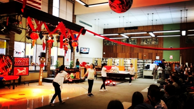 田納福來高中學生慶祝農曆新年。(Shelly Shao提供)