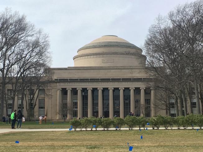 麻省理工學院(MIT)今年準備效仿哈佛、耶魯和西北大學等高校,嚴格限制師生戀愛或發生性關係。記者劉晨懿之/攝影