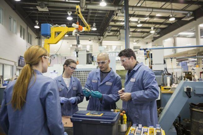 美國就業市場蓬勃興隆之際,正值人生尖峰時期的數百萬美國人卻沒有工作。(Getty Images)