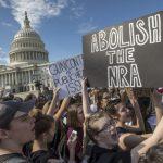 川普促提高購槍年齡 國會:沒打算