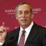 難民之子勞倫斯貝考獲任哈佛大學校長