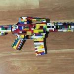 涉貼玩具槍照片威脅 聖地牙哥高中生被捕