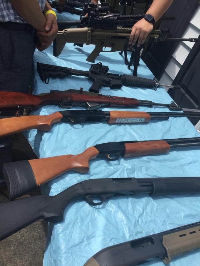 各式長槍在民間通常當作運動用槍。(陸怡雯/攝影)