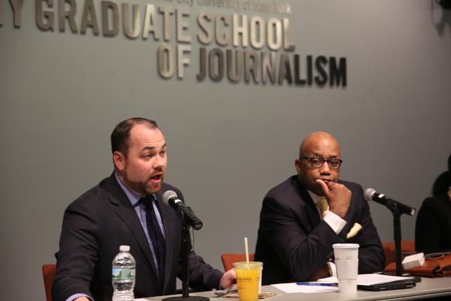 張晟(左)與少數族裔和社區媒體座談。(記者洪群超/攝影)