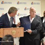紐約市議員提案 為公校保安配防彈服