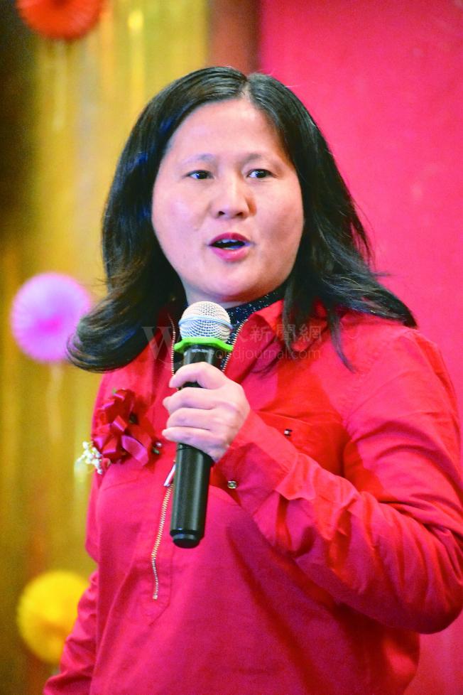 圖為居於肖化區的市長候選人李愛晨,在農曆新年慶會上發表政見。(記者李秀蘭/攝影)