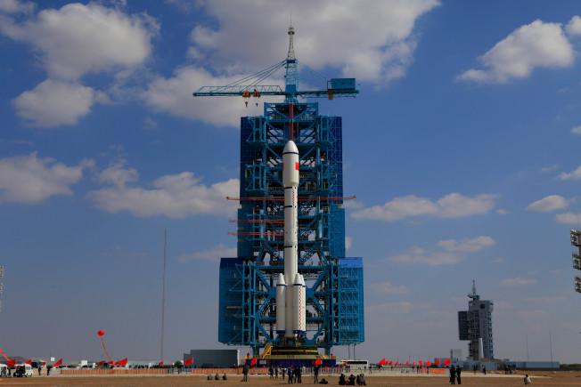 「天宮一號」是在2011年9月29日於中國酒泉衛星發射中心,由長征二號火箭送上太空。(Getty Images)
