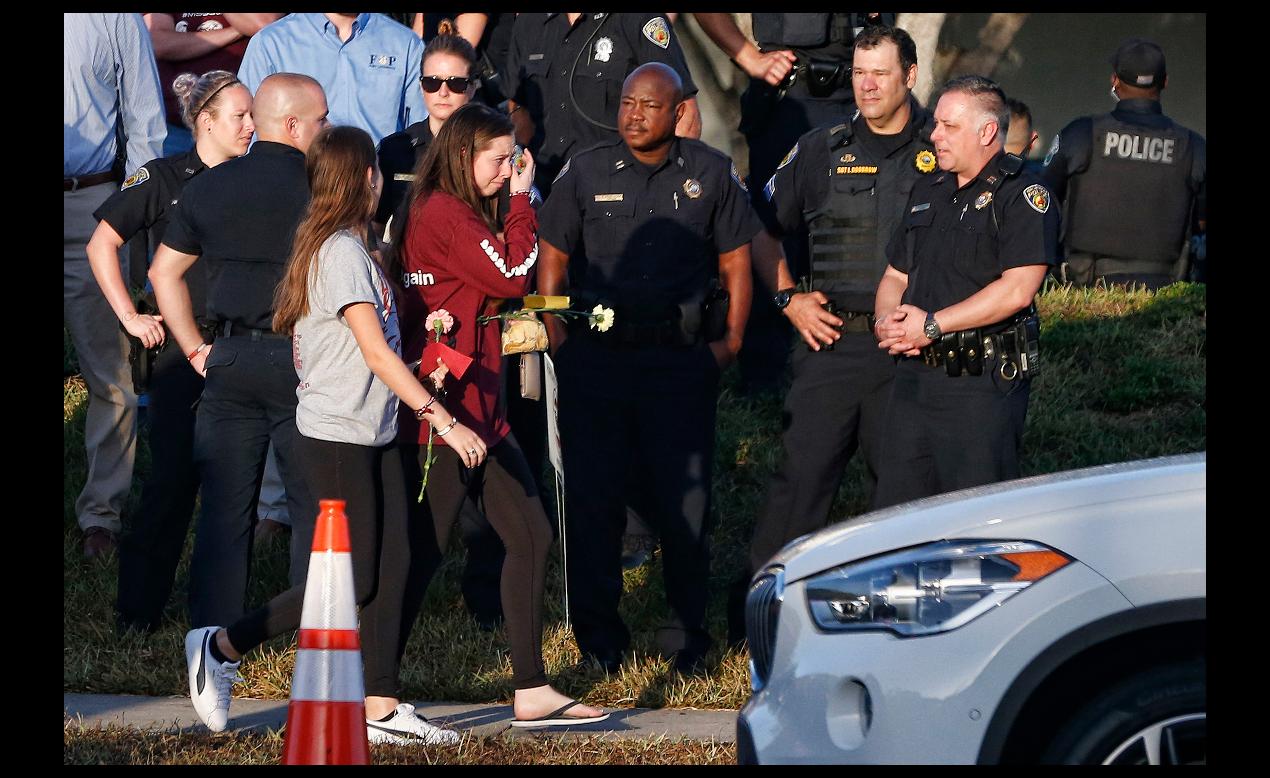 佛州高中槍擊慘案的19歲兇嫌在犯案前就已經有嚴重的心理健康問題和行為偏差。(Getty Images)