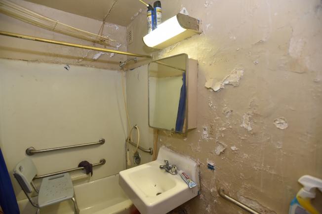 紐約市政府樓年久失修問題嚴重。(州長辦公室提供)