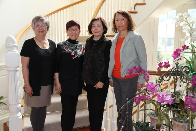 姐妹市委員會籌畫舉辦四場主題不同的大活動。左起:蔡秀美、沈悅、吳靜西、石錦莉。(記者李榮/攝影)