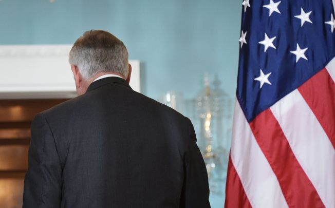 圖為國務卿提勒森去年11月與德國外長舉行雙邊會談後下台的鏡頭。Getty Images
