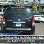 兩嫌猖狂 試圖當街攔車擄女