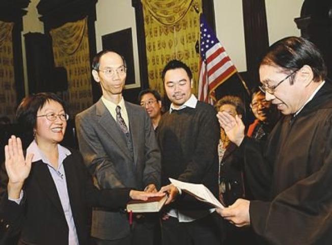 陳倩雯2009年勝選市議員,創下百年華埠華人參政史。(本報資料照片)