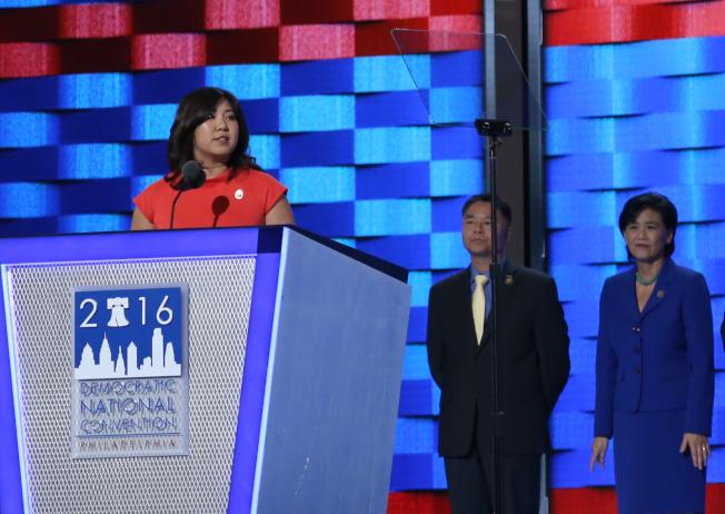孟昭文成為民主黨全國委員會副主席,是亞裔在民主黨內最高職。(本報資料照片)