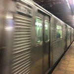 紐約離峰工作者增 清晨深夜地鐵難等