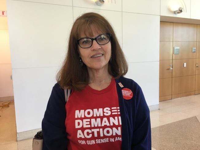 洛杉磯「母親要求美國槍枝意識行動」的Amy Phillips說,她每天提心吊膽送孩子上學,只祈求他們能平安回家。(記者謝雨珊/攝影)