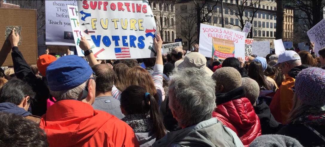 全國反槍枝暴力集會「為活命而走」(March for Our Lives),主場華府今天中午在賓州大道展開。特派員許惠敏/攝影