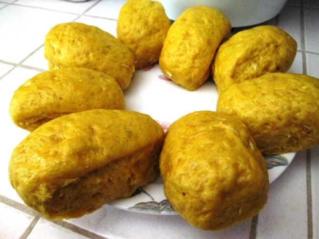 薑黃椰絲饅頭