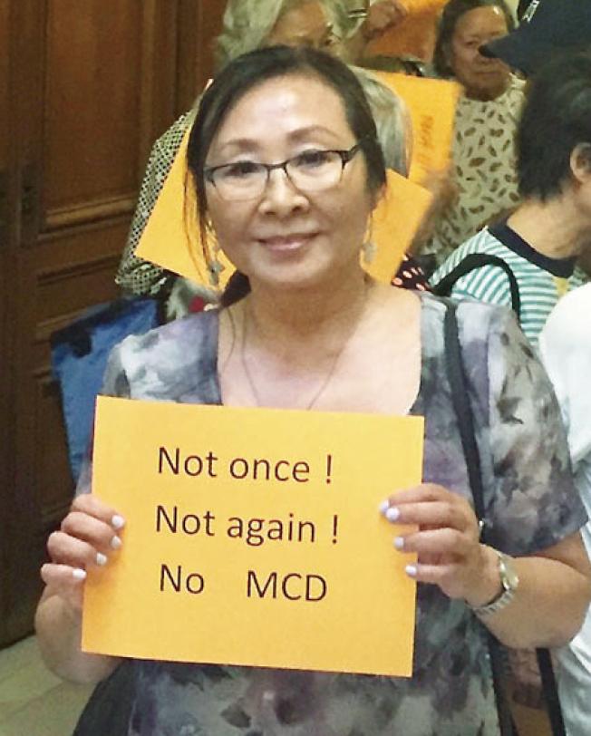 十年前已組織街坊反對大麻店的李美玲,讚許佩斯金禁在華埠開大麻店的提案。(李美玲提供)