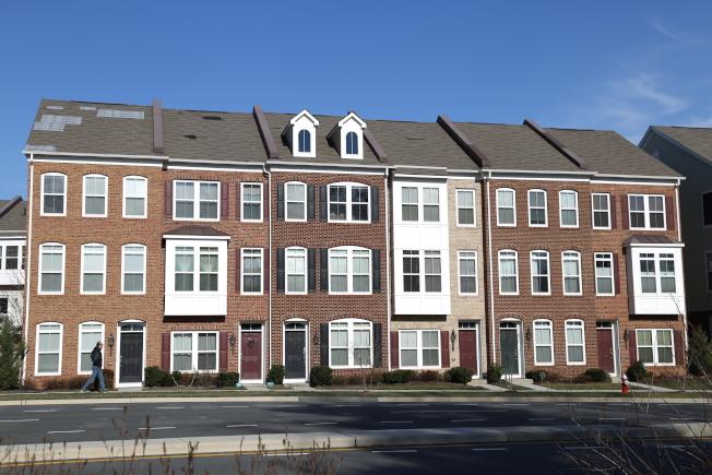 大华府房地产市场的售价及售房速度创下十年来新高。尽管售房量吃紧、购房需求强劲,但本地房价涨幅平稳。(记者罗晓媛/摄影)