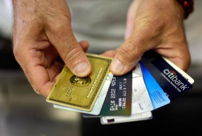 策略性地利用信用卡獎勵,可買到超便宜的機票。(Getty Images)