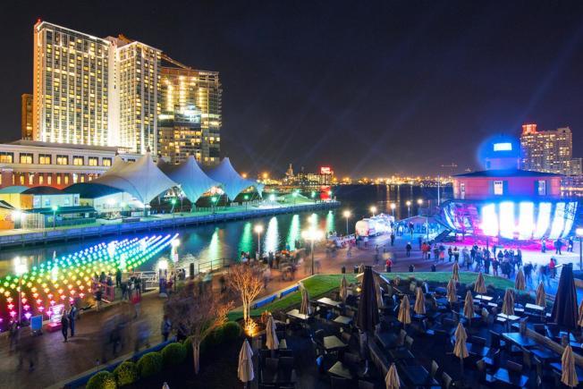 巴爾的摩港區燈14日起一周的LightCity慶會,越夜越美麗。(Baltimore.org)