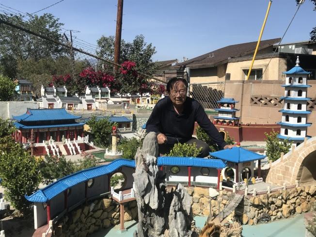 徐群花12年在庭院內打造微縮蘇州園林——湘園。(記者高梓原/攝影)