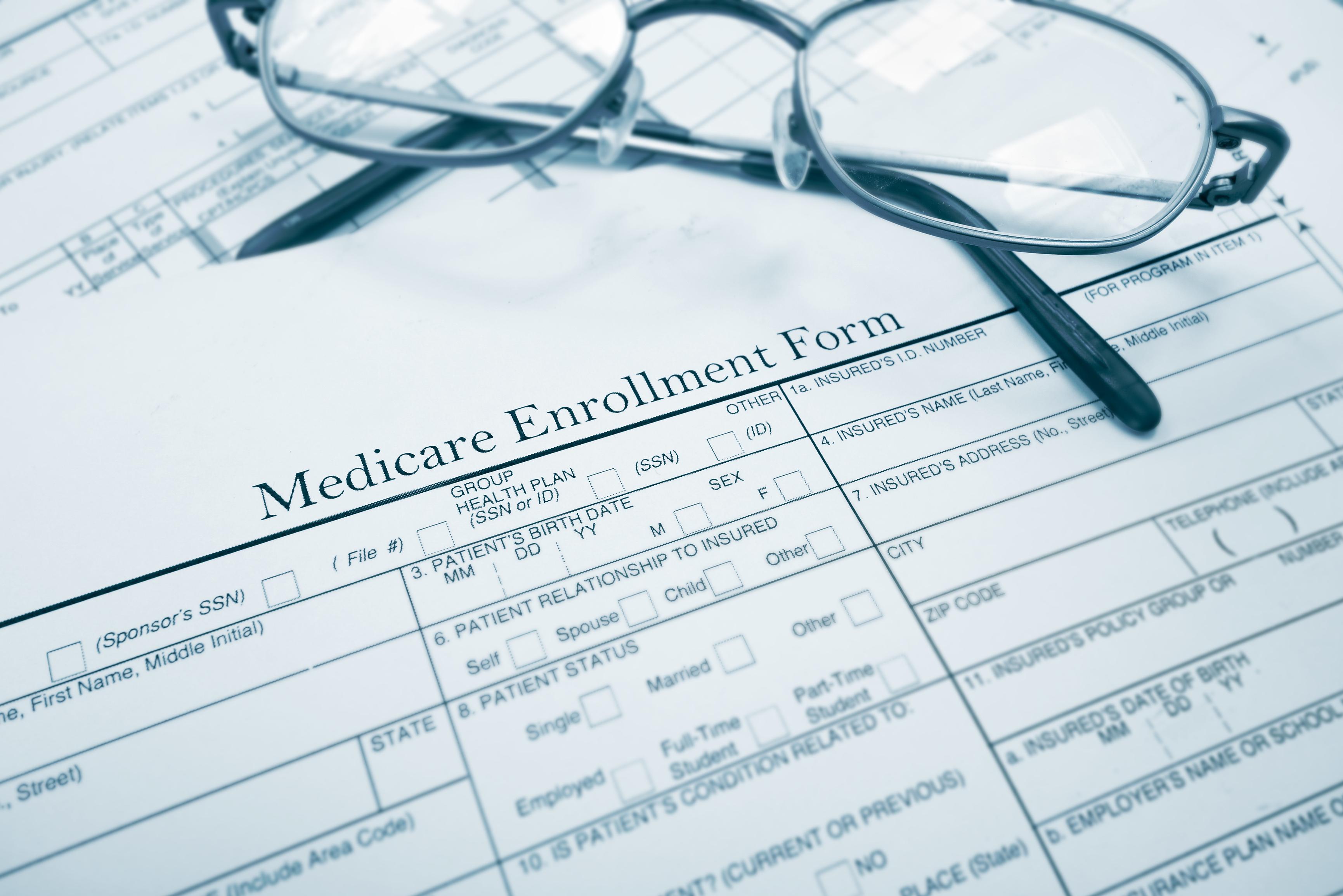 許多人擔心退休後健保無著落,其實政府提供聯邦醫療保險計畫。(TNS)