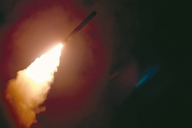 美國巡洋艦蒙特利號14日從紅海發射一枚戰斧飛彈攻擊敘利亞化武設施。 美聯社