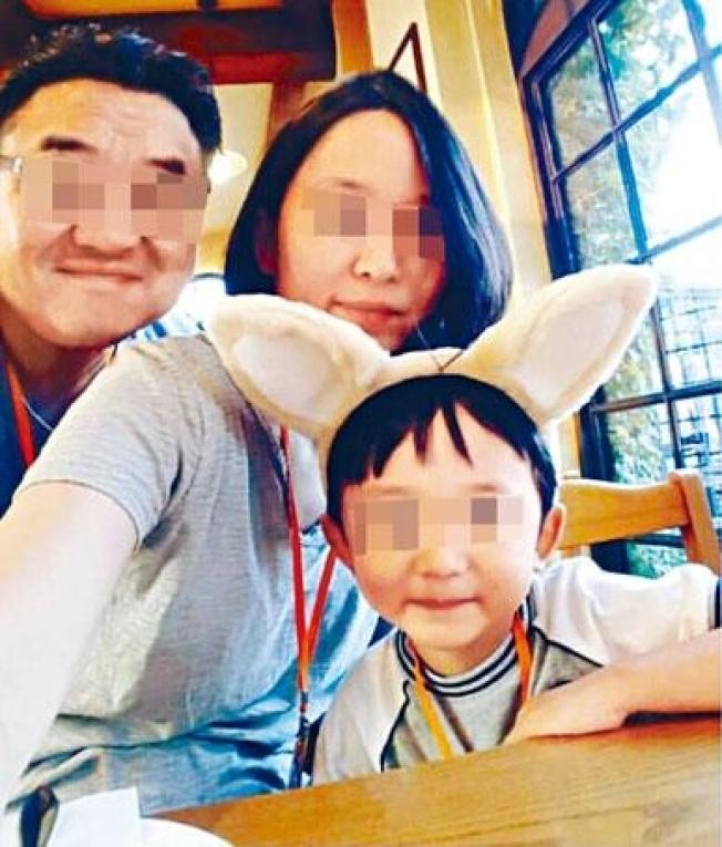 南韓金姓巧克力商人(左)常在社交網分享與妻兒的合照,曾指「家庭是給予我每日動力的唯一泉源」。(取材自Instagram)