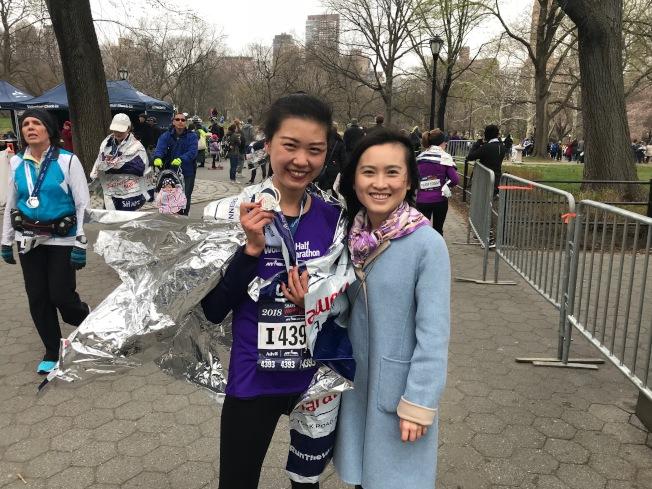郭欣(左)這次比賽跑出了自己的最好成績。(記者和釗宇/攝影)