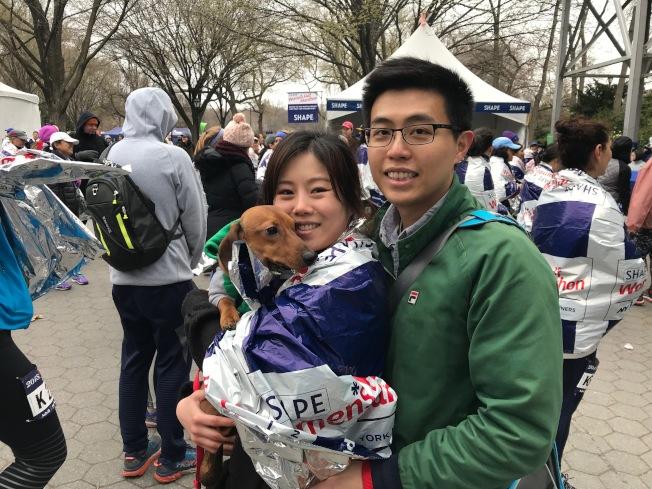 崔英的寵物犬Blink也來為她加油助威。(記者和釗宇/攝影)