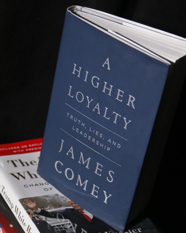 前聯調局長柯米吐槽川普總統新書「更高的忠誠」已經上市。 (美聯社)
