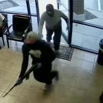 槍匪搶診所 劫現金、信用卡