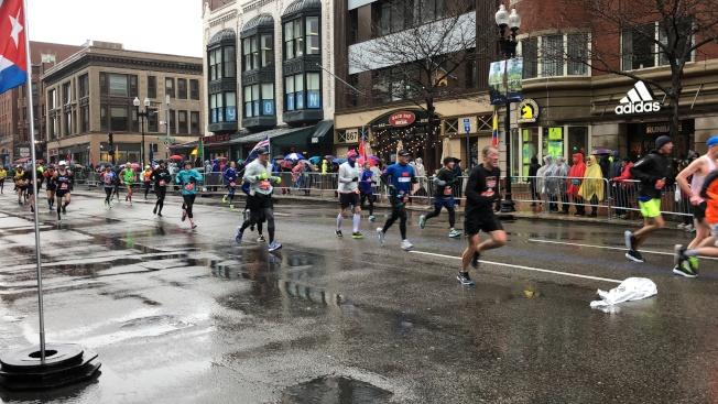 2018波士頓馬拉松近3萬選手參賽,其中不乏華人面孔。(記者劉晨懿之/攝影)